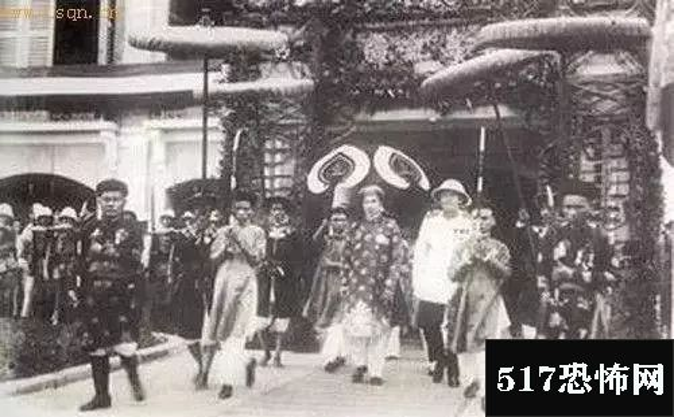 披露末代皇族们的平民生活:末代皇叔载涛摆地摊维生